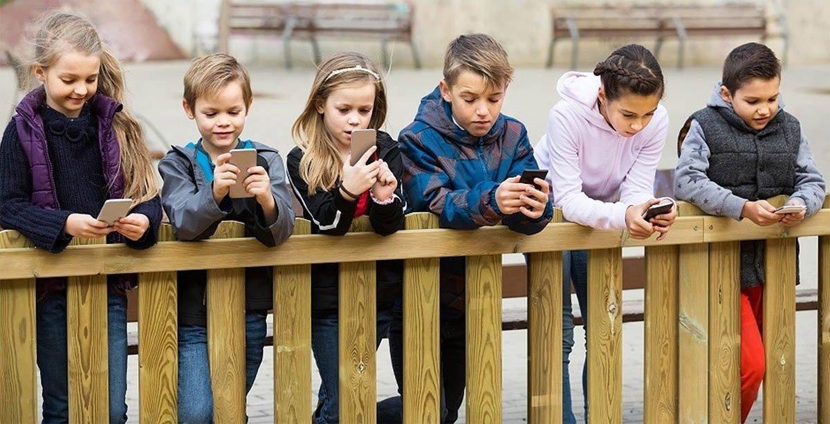 Závislost mladistvých na mobilních telefonech