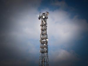 5G síť - Vysílací věž telekomunikačních operátorů